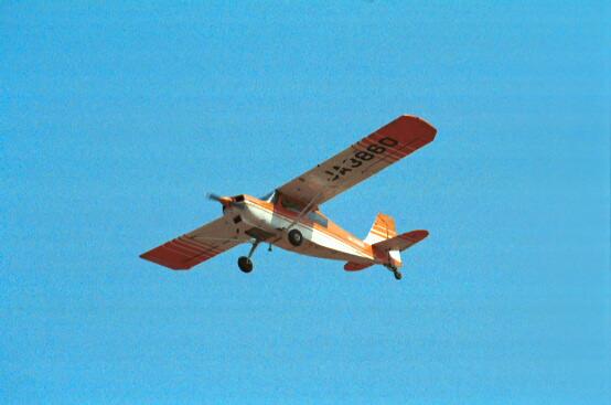 べランカ JA3860 飛行機曳航 飛行機曳航 これが曳航機です。軽飛行機にワイヤーをつけてグラ